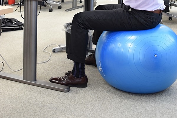 Balance ball, lift type desk